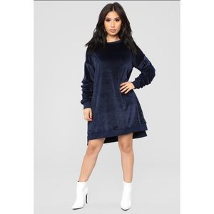 NWT FN Ruched Sleeve Velour Dress -XL